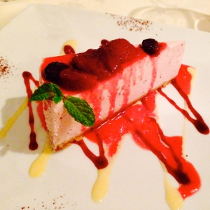 Strawberry and blueberry cheesecake, Dubh Prais, Edinburgh